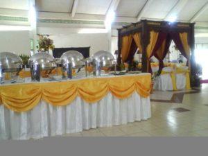 Buffet nuansa putih & kuning