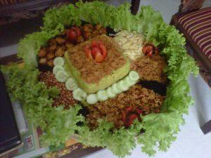 Nasi kuning tumpeng kotak