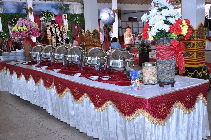 menu-prasmanan-maheswari-catering-yogyakarta-tema-merah-2