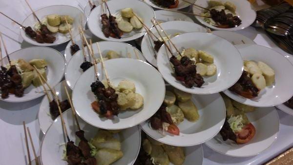menu-gubug-sate-kambing