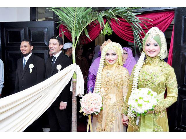 suasana resepsi 2 pasang pengantin di maheswaricatering