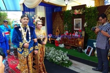 Pesta pernikahan mas aries dan mbak marinda oleh wedding organizer dan catering pernikahan murah - maheswari catering__