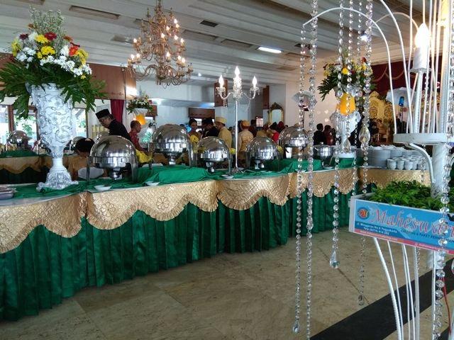 Catering_pernikahan_murah_dijogja_nuansa_hijau_emas