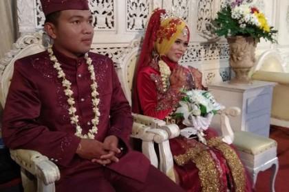 pernikahan-mas-aan-mba-riska-oleh-maheswari