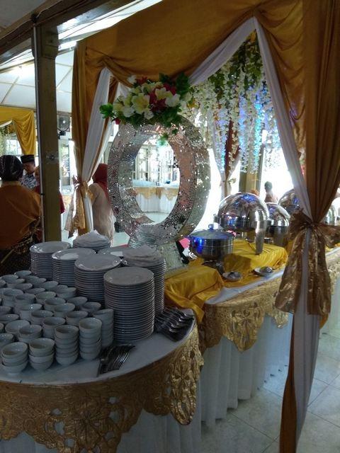resepsi-catering-pernikahan-murah-jogja-nuansa-kuning