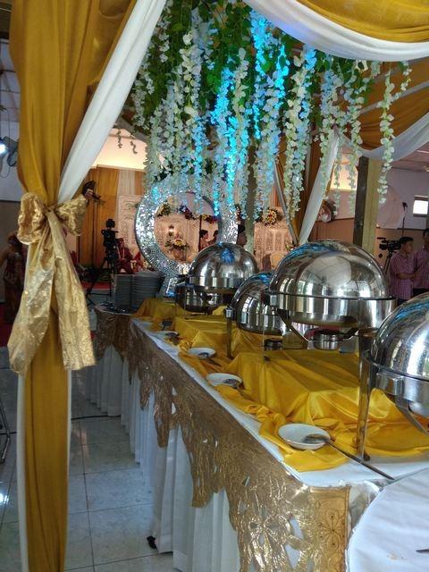 resepsi-catering-pernikahan-murah-jogja-nuansa-kuning2